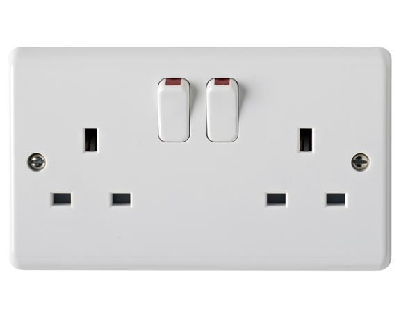 2 gang socket 13A switched - White