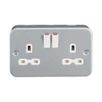 Metal Clad Double Switched Socket 13A DP c/w 2 Earth Terminal