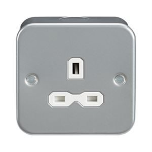 Metal Clad Single Unswitched Socket 13A DP